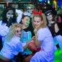 разукрашеные в костюмах на хэллоуин