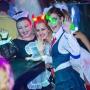 девочки переоделись на празднование хэллоуин